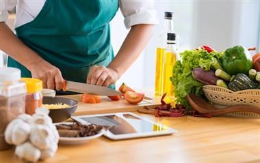 5 ترفند برای آشپزی؛ راهکاری برای رفع کردن تندی غذا