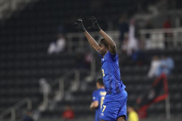 استقلال پیروز نیمه نخست بازی با الریان قطر