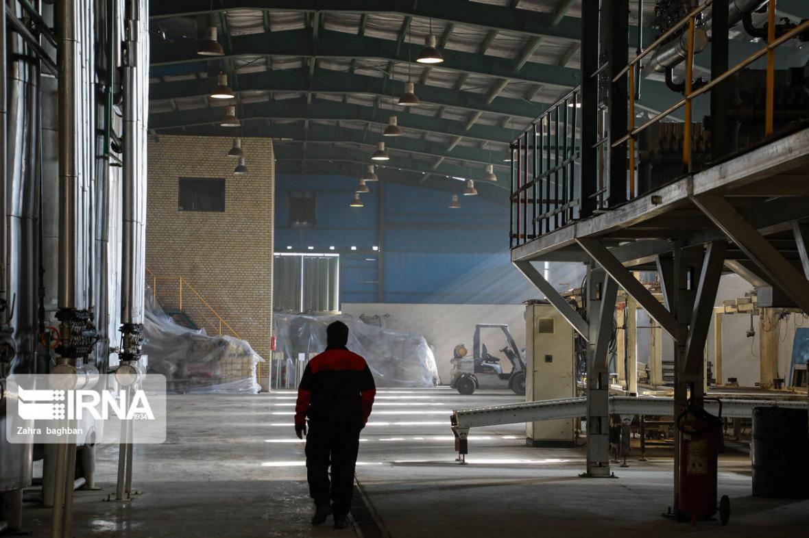 خبرنگاران بازگشت 12 کارخانه لرستان به چرخه فراوری