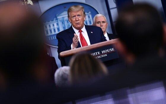کاخ سفید: هرکه به ترامپ و پنس نزدیک شود، آزمایش می شود