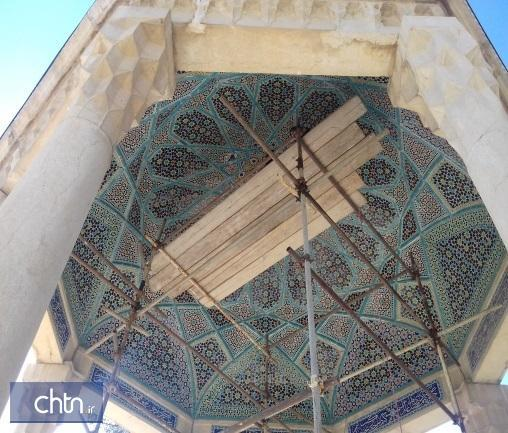 کاشی کاری عرقچین آرامگاه حافظ بازسازی شد
