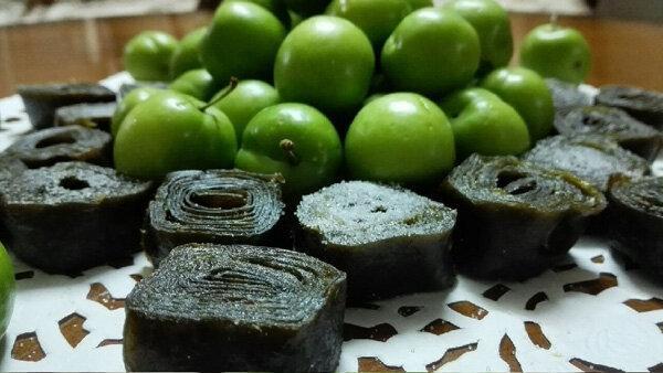 طرز تهیه لواشک گوجه سبز؛ ترش و جذاب