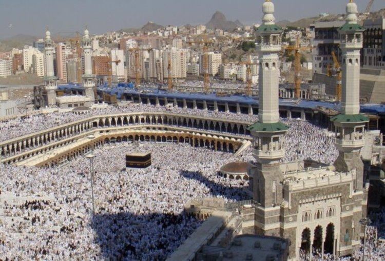 عربستان در فکر لغو حج یا کاهش شدید تعداد زائران