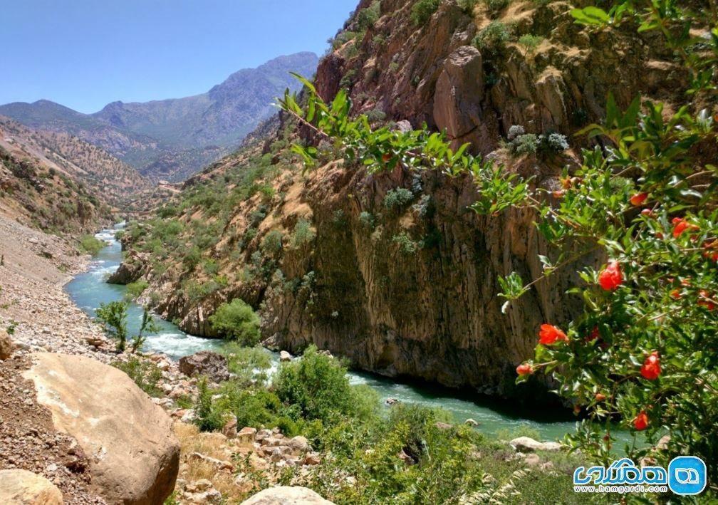 رودخانه سیروان هورامان و تجربه قایق سواری در موج های خروشان