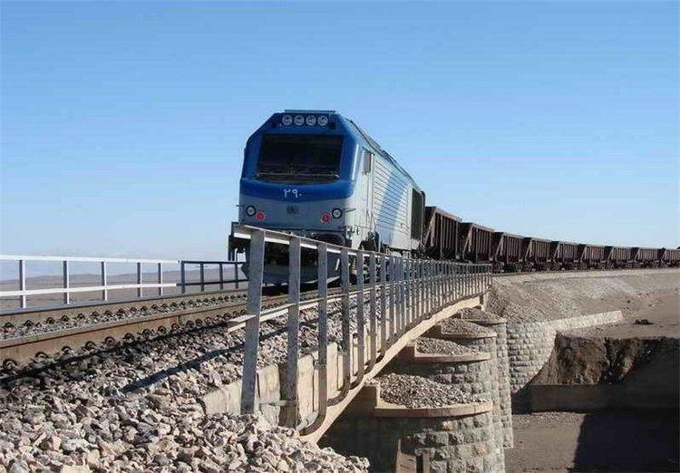 (ویدئو) جزییات برخورد دو قطار در محدوده قزوین