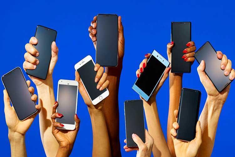 مقابله با قاچاق گوشی های لوکس از طریق رویه مسافری
