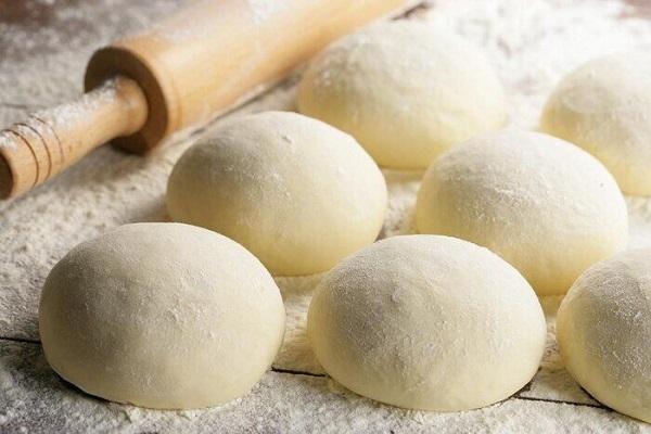 طرز تهیه خمیر پیتزا در خانه