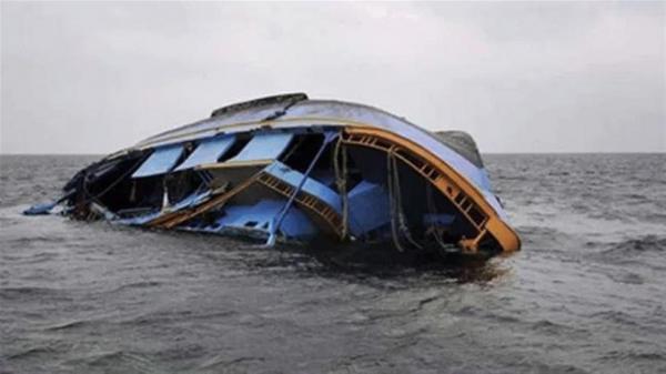 گم شدن ده ها تن در پی غرق قایق نیجریه ای