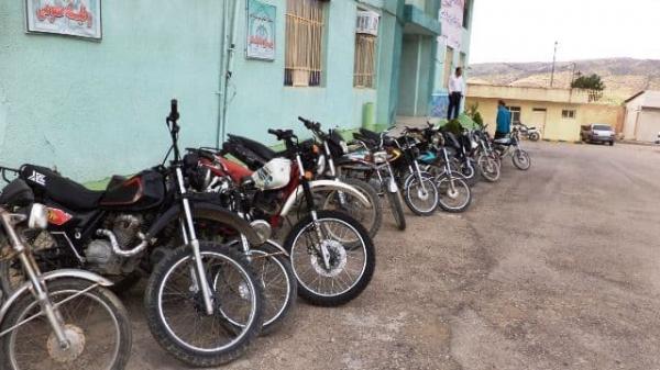 توقیف 17 دستگاه موتورسیکلت متخلف در دالاهو