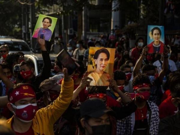 هشدار فرستاده ویژه سازمان ملل در امور میانمار نسبت به وقوع جنگ داخلی مردم با خونتا