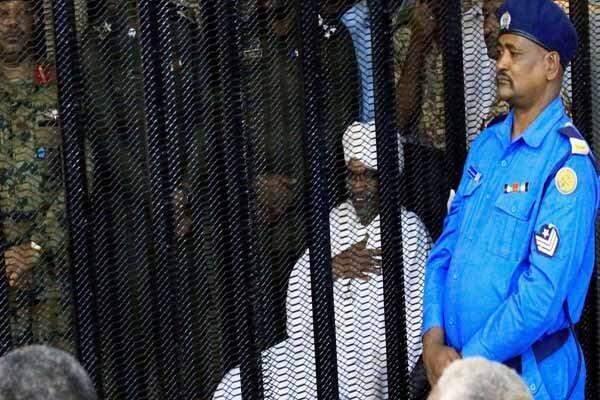سودان عمر البشیر را به دادگاه لاهه تحویل می دهد