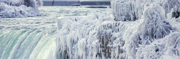 تور کانادا: سرما و یخبندان شدید در آبشار نیاگارا